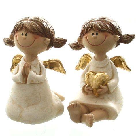 Deko Engel aus Polyresin sitzend mit Herz oder